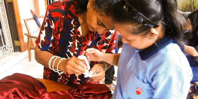 Training voor verstandelijk beperkte jongeren in Sri Lanka