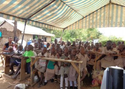 Tuinbouwonderwijs voor weeskinderen in Kenia