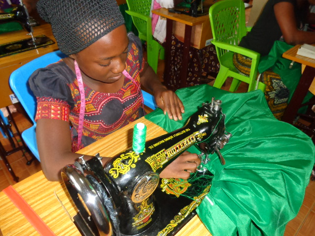Uitbreiding naaiatelier in Tanzania