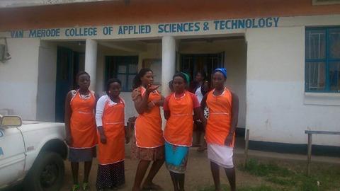 Trainingsmateriaal voor Van Merode College in Oeganda